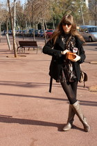 light brown leather Camilas boots - black black Zara coat - black cashmere Calze