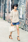 Beige-pastel-accent-misspouty-sweater-off-white-speedy-louis-vuitton-bag