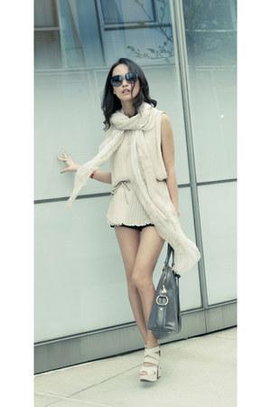 chiffon Club Monaco scarf - oversied Chloe sunglasses - misspoutycom heels - ple