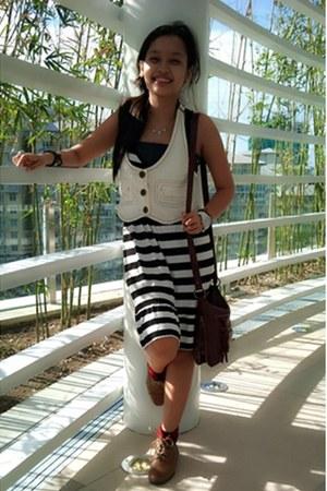 Terranova vest - Rina boots - Zara dress - River Island bag