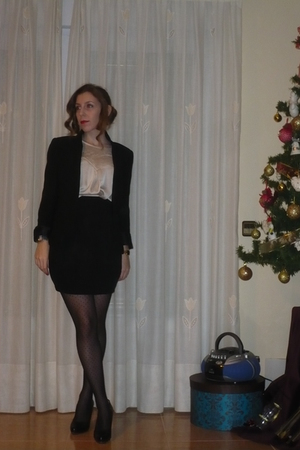 black pull&bear skirt - white Mango blouse - black Lefties blazer - green Mango