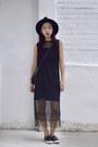 Black-fringe-oasapcom-dress-wide-brim-oasapcom-hat-topshop-sneakers