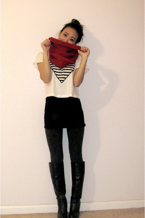 red DIY scarf - black FCUK top - white Forever 21 top - gray Topshop leggings -
