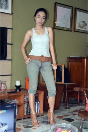 gladiator Manels heels - pants - thrifted belt - cotton DKNY t-shirt