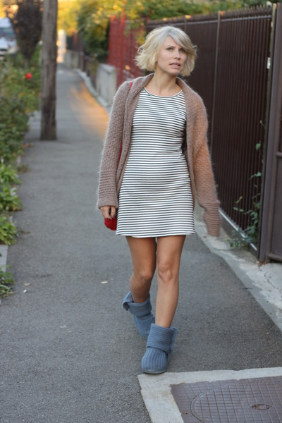 Fake Uggs boots - ItalyTeen dress - one size bigger Topshop cardigan