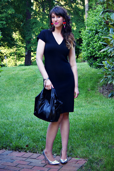 little black Diane Von Furstenberg dress - patent leather Valentino bag