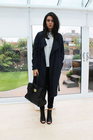 black Kurt Geiger boots - navy H&M coat - black Miss Selfridge jeans