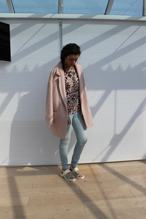 River Island coat - new look jeans - Missguided t-shirt - River Island earrings