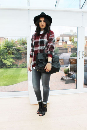 maroon TU clothing jumper - black Kurt Geiger boots