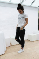 Boohoo t-shirt - new look jeans - River Island earrings - nike sneakers