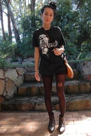 shirt - shorts - tights - shoes