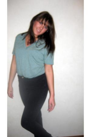 green American Apparel t-shirt - black American Apparel pants - black Converse s
