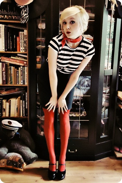 red tights - black skirt - white t-shirt