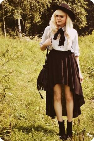 black skirt - black boots - periwinkle shirt