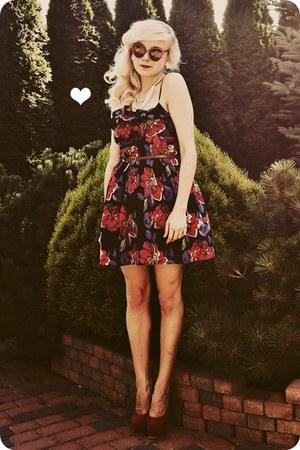 ruby red heels - navy dress