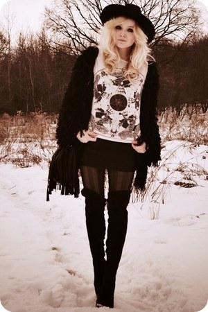 white t-shirt - black skirt