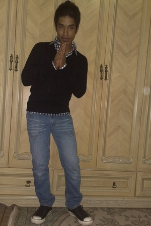 Splash shirt - ZYNC vest - Bossini jeans - Converse shoes