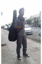 vintage scarf - Bossini shirt - YiSHiON pants - Converse shoes - Guitar bag