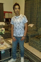 Lee Cooper shirt - Bossini jeans - Converse shoes