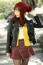 Black-cut-out-persunmall-boots-maroon-pom-pom-beanie-hat