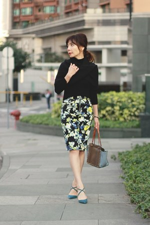 black Forever 21 scarf - olive green Valentino bag - black mock neck Zara top