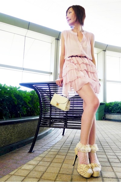 white polka dots socks - light pink chiffon ruffles dress - off white bag
