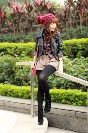 maroon beanie hat - black boots - black Sheinside jacket