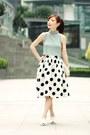 White-clock-face-choies-bag-black-murua-top-white-choies-skirt