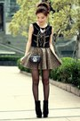 Black-suede-lace-up-boots-black-bag-gold-geometric-forever-21-necklace