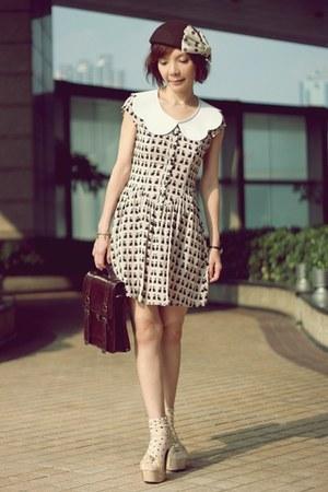eggshell cat prints H&M dress - dark brown Lids hat - dark brown satchel bag