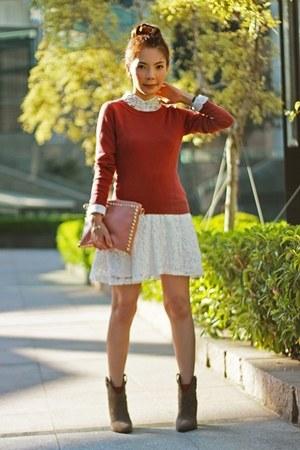 white shirt - heather gray suede Zara boots - maroon H&M sweater