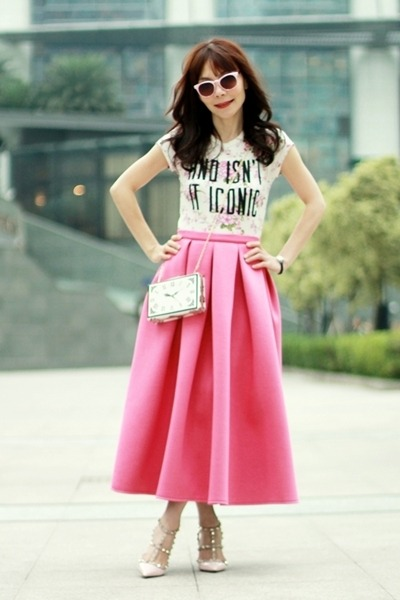 bubble gum Choies skirt - white clock clutch Choies bag