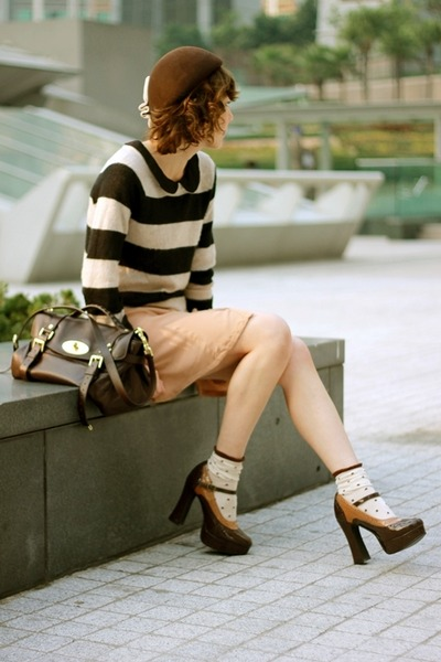 Black Striped Sweater H&M Sweaters, Beige H&M Dresses, Dark Brown ...