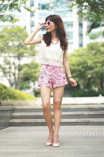 hot pink floral print Sheinside shorts - white Zara sunglasses
