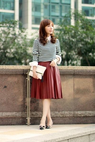 navy white stripes Gap sweater - white Gap shirt - white clutch H&M bag