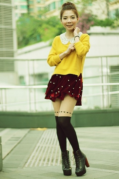 mustard knit H&M sweater - black boots - black hearts tights