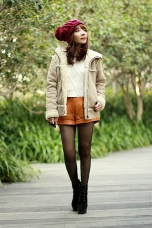 black suede lace-up boots - camel fake sheepskin Uniqlo coat - maroon hat