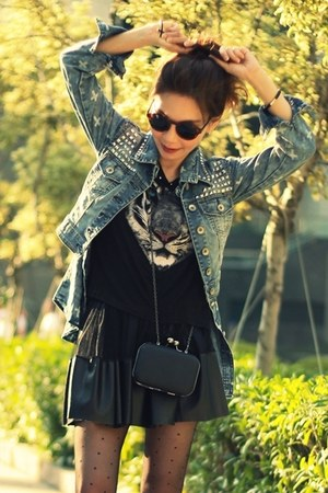 blue shirt - black bag - dark brown round H&amp;M sunglasses - black H&amp;M t-shirt