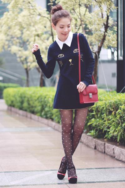 black pink hearts stockings - navy dress - maroon H&M bag