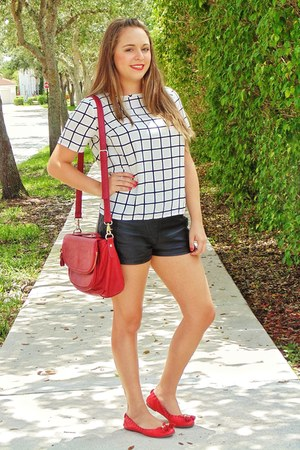 red faux leather Forever 21 bag - black faux leather Forever 21 shorts