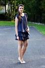 Charcoal-gray-secondhand-dress-gray-cocoono-bag-cream-deezee-heels