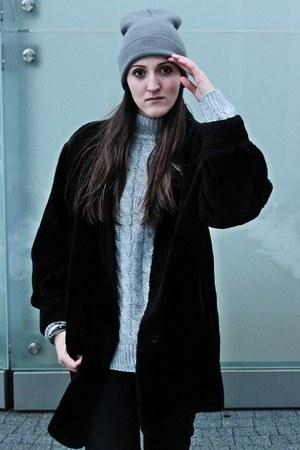 black F&F shoes - silver Top Secret sweater - black Bershka pants