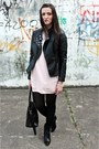 Light-pink-xmoda-dress-black-mohito-jacket