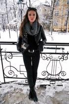black H&M sweater - gray pull&bear jeans - black Mohito jacket