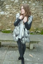 fur Pull & Bear coat - black Zara Kids boots - off white Primark jumper