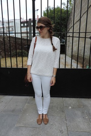 white Zara jumper