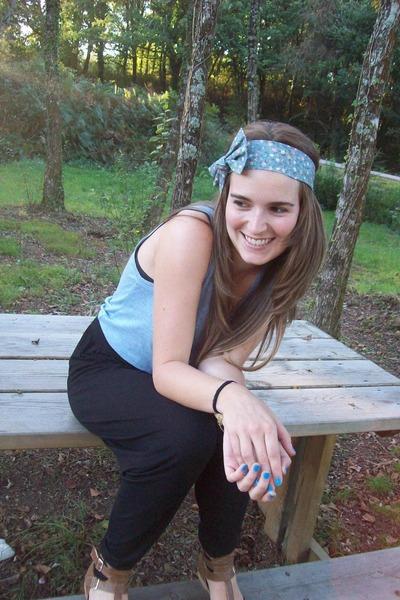 sky blue Sfera hair accessory