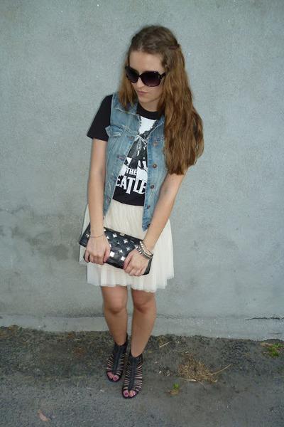 black Primark t-shirt