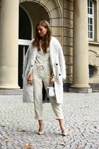 ivory Topshop coat - cream Topshop romper - tan Valentino pumps