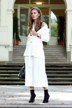 black Daniel Wellington watch - white Zara blazer - white culottes Zara pants